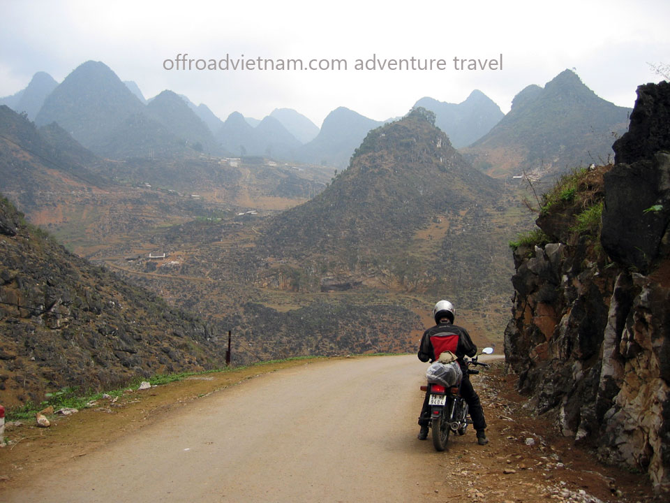 Vietnam Motorbike Hanoi Tours - Great North Tour. Vietnam Offroad Tours motorbike riding around North Vietnam in a big loop. Ha Giang dirt motorbike tour of Great North Tour