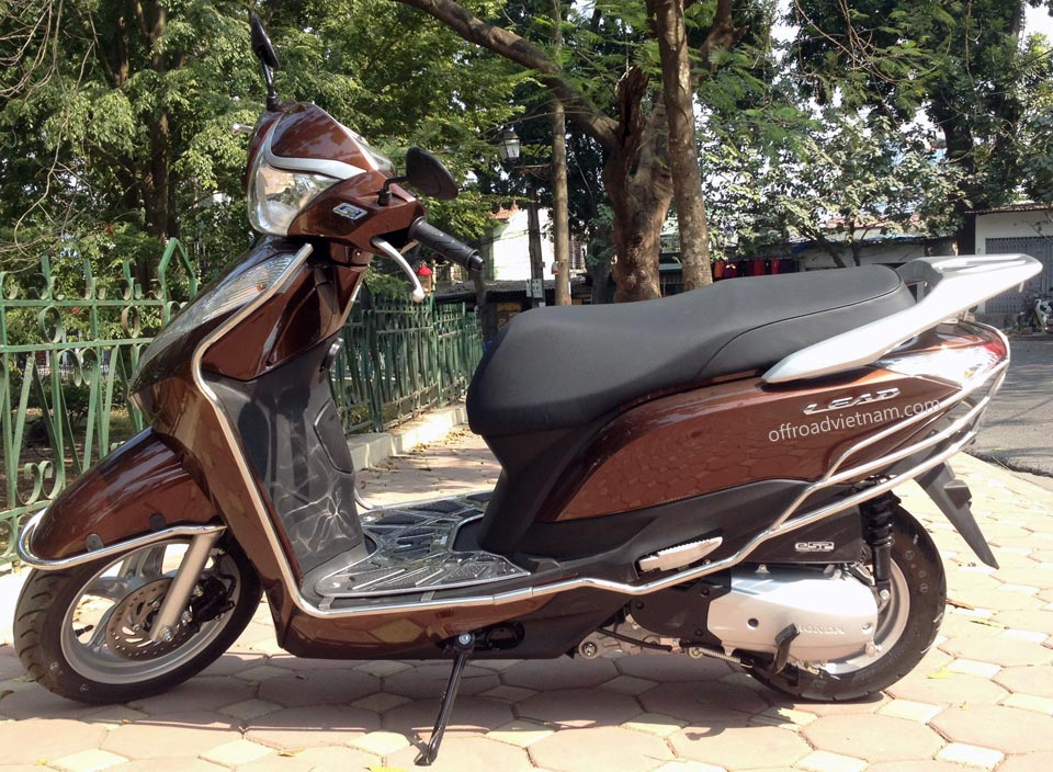 Vietnam Motorbike Hanoi Tours - Touring Motorbikes. Vietnam Offroad motorbikes touring fleet. Honda Wave fully-automatic Lead 125cc 2014 model