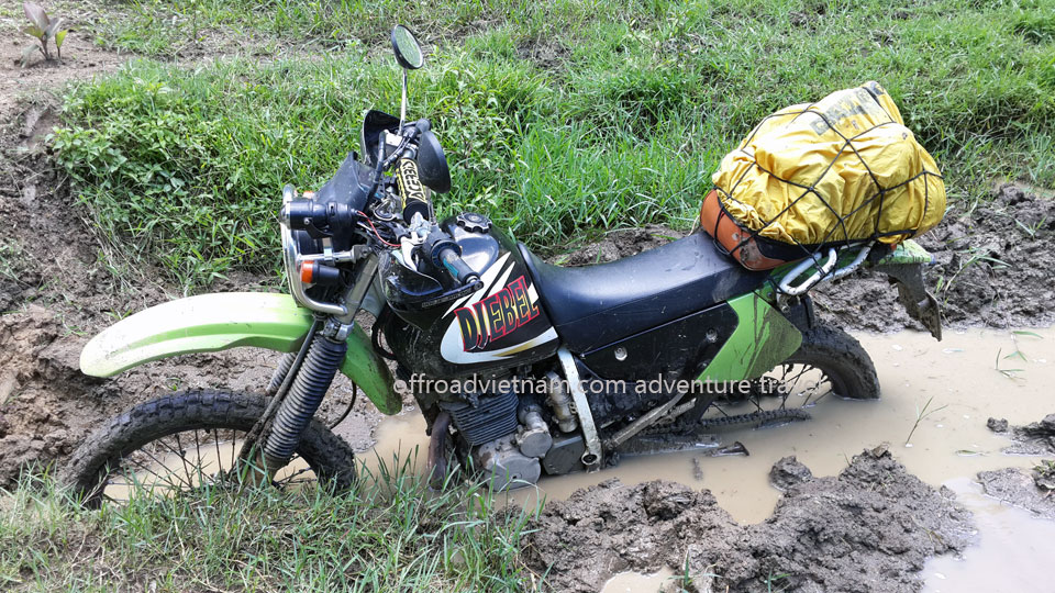 Vietnam Motorbike Hanoi Tours - Great North Tour. Vietnam Offroad motorbike riding around North Vietnam in a big loop. Mai Chau dirt motorbike tour of Great North Tour