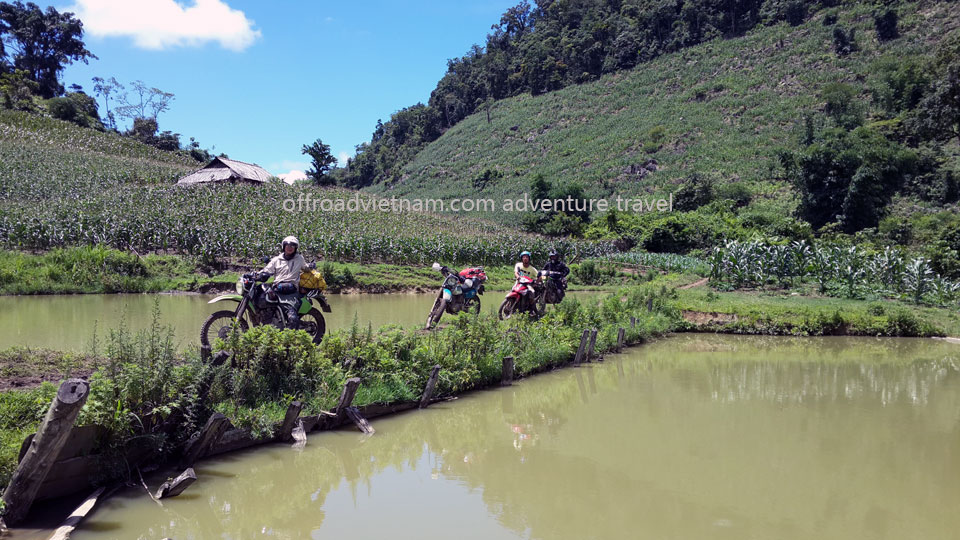 Vietnam Motorbike Hanoi Tours - Northwest Tour 8 Days. Vietnam Offroad Tours motorbike riding to Northwest Vietnam. Mai Chau dirt bike tours.