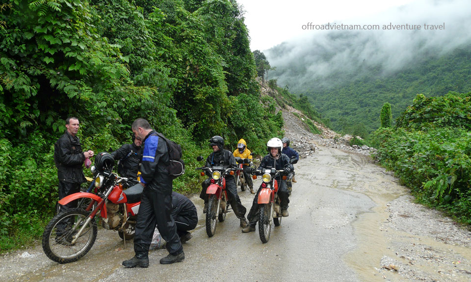 Vietnam Offroad Tours motorbike riding to middle roads in North Vietnam. Vietnam Motorbike Hanoi Tours - Middle North Tour