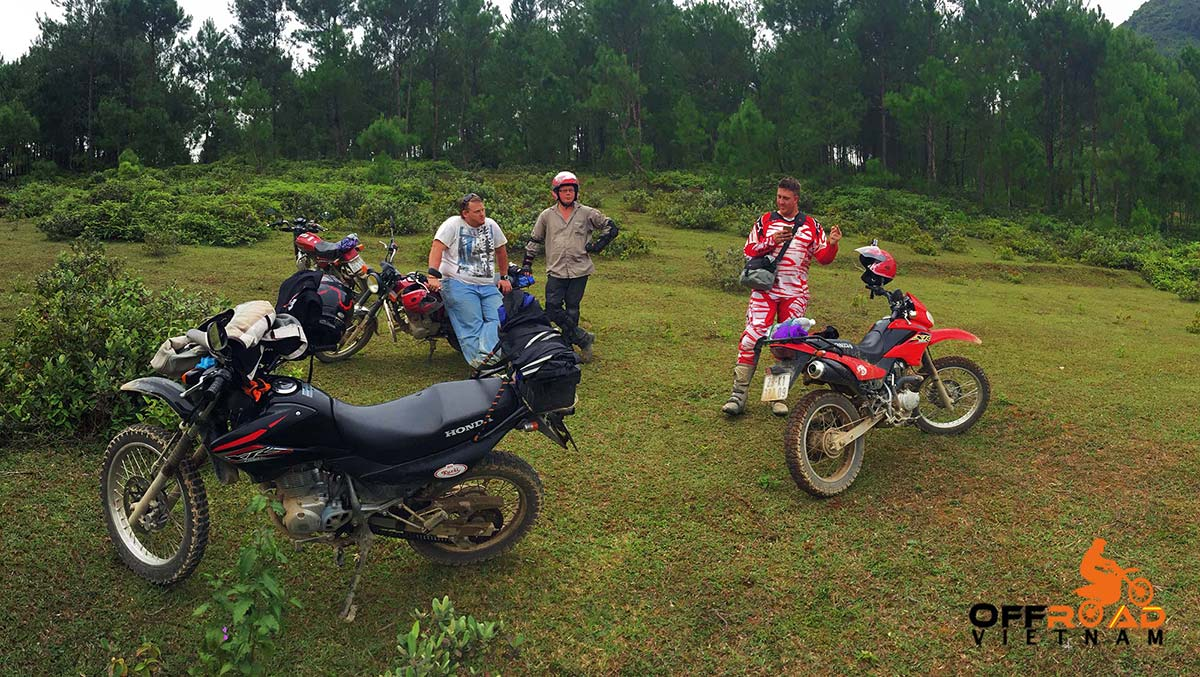 Hanoi-based Freewheeling Tours Vietnam Offroad offers one day motorbike ride around Hanoi by Honda XR150L, CRF150L and CRF250L.